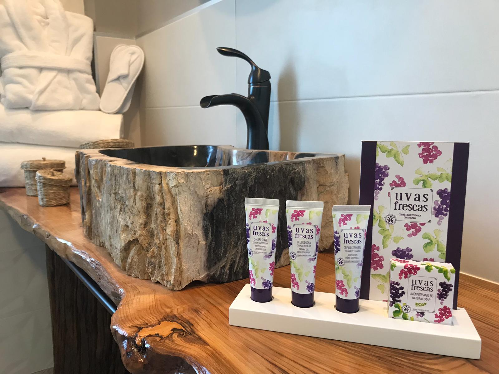 Los productos de Uvas Frescas en una de las habitaciones de nuestro hotel